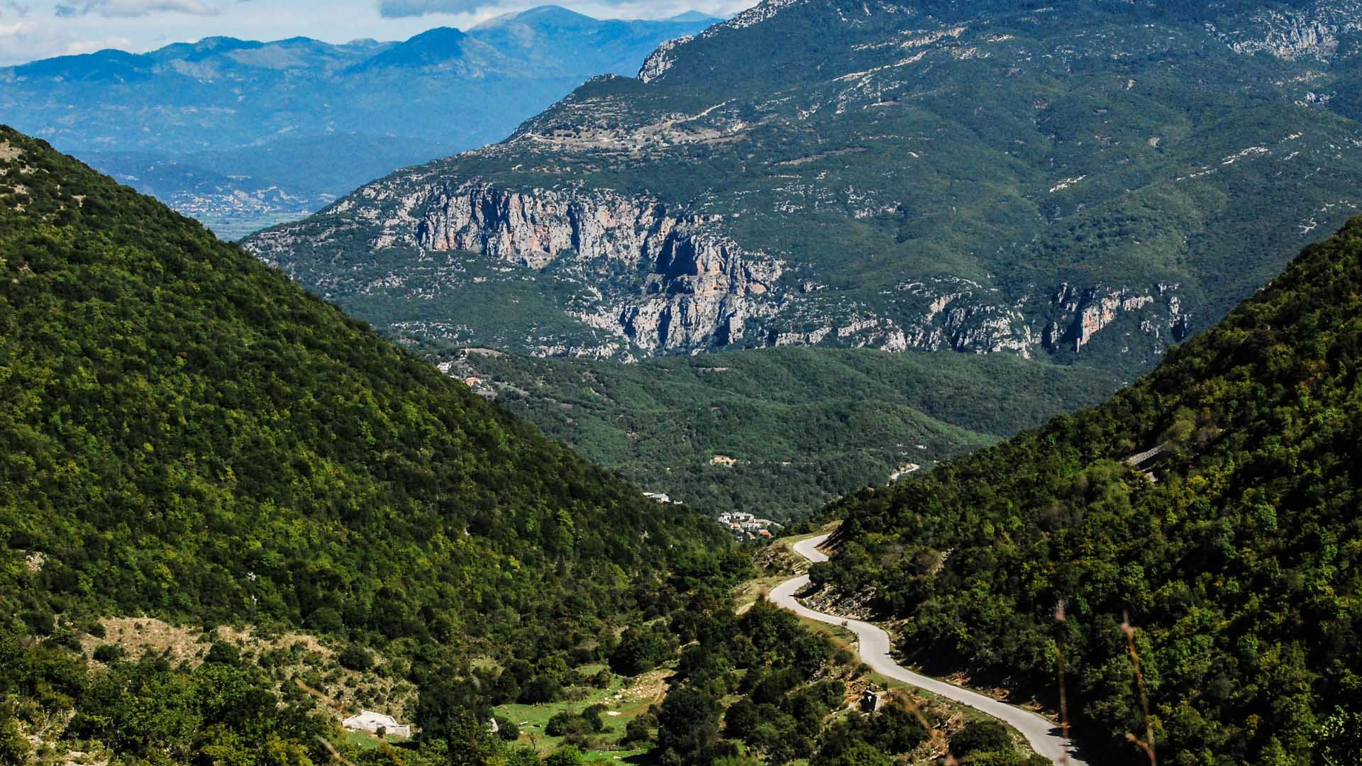 Motorcycle travel in Zagoria with MotoGreece