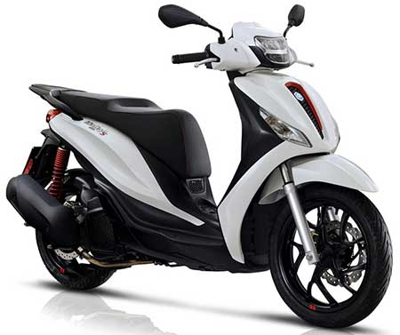 rent piaggio scooter in Athens